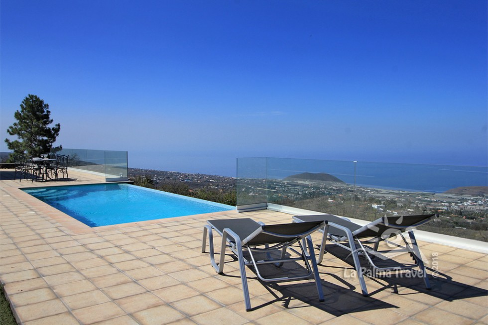 Villa Los Cantiles - Poolterrasse mit Panoramablick